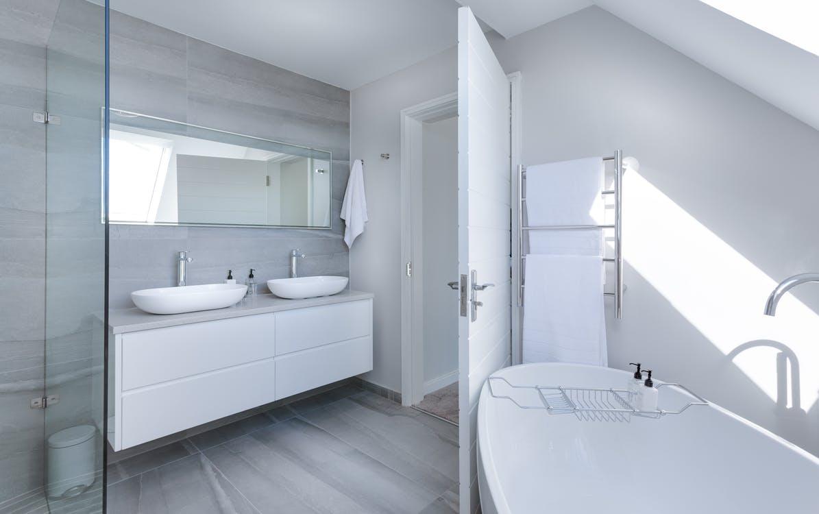 toilette-aplasie-se-laver