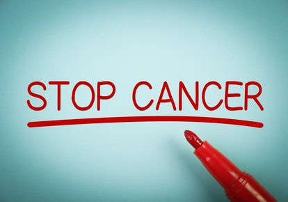 Comment agit le taxol © contre le cancer ?
