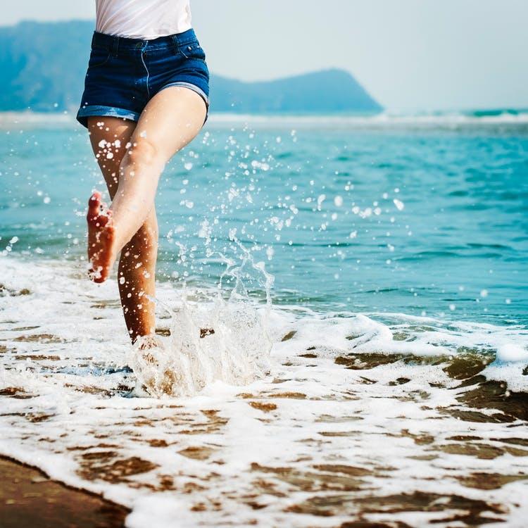 jambes-lourdes-marche-eau
