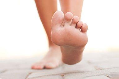 jambes-lourdes-étirer-pieds